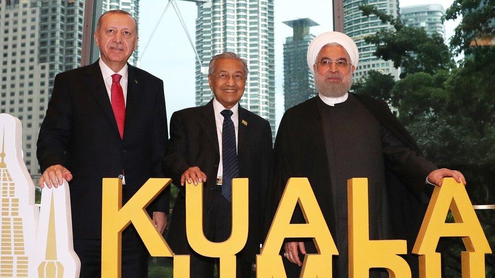 روحاني وأردوغان ومهاتير محمد.