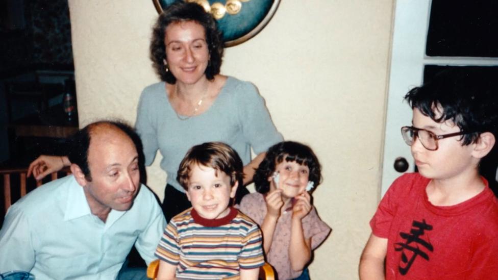 باري وكارين وأطفالهما