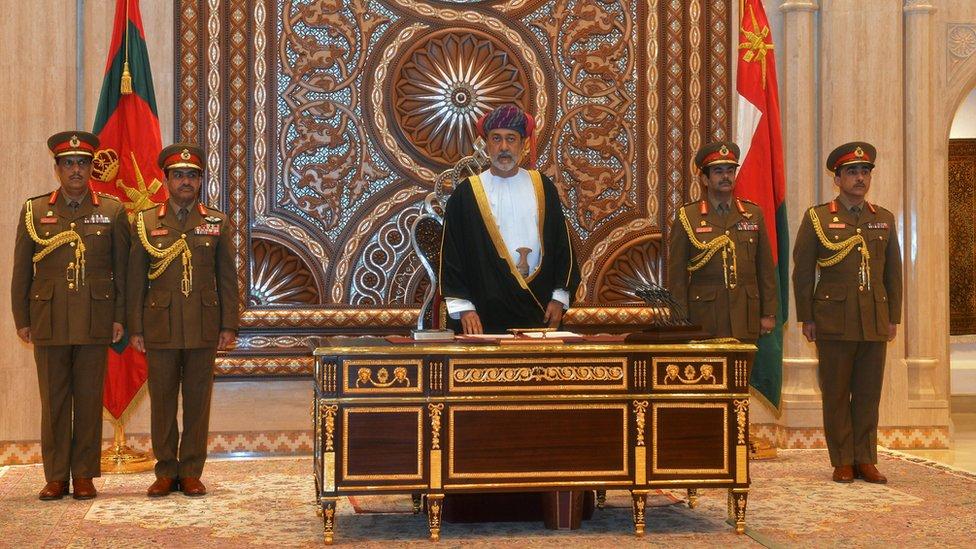 السلطان هيثم بن طارق آل سعيد يؤدي القسم خلفا لقابوس