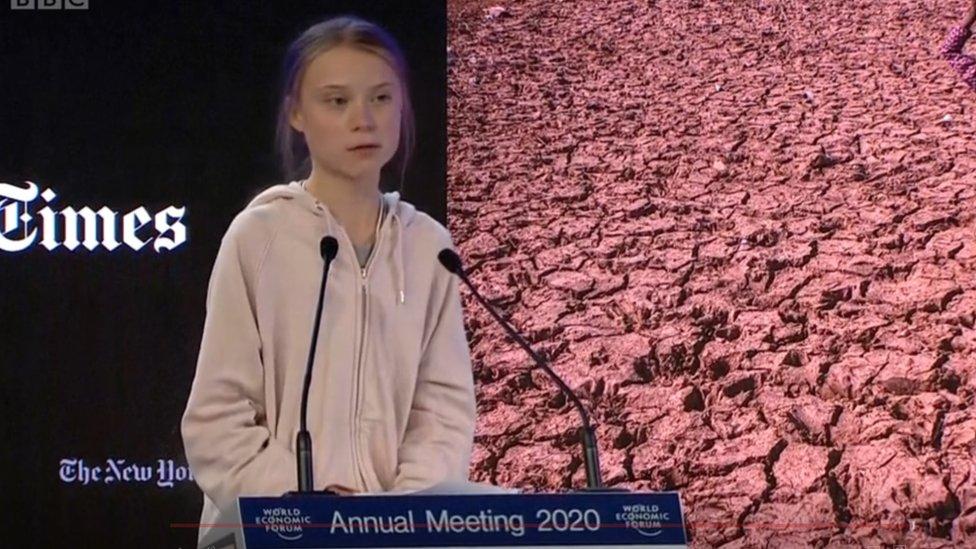 غريتا ثونبيرغ تلقي خطابها في القمة