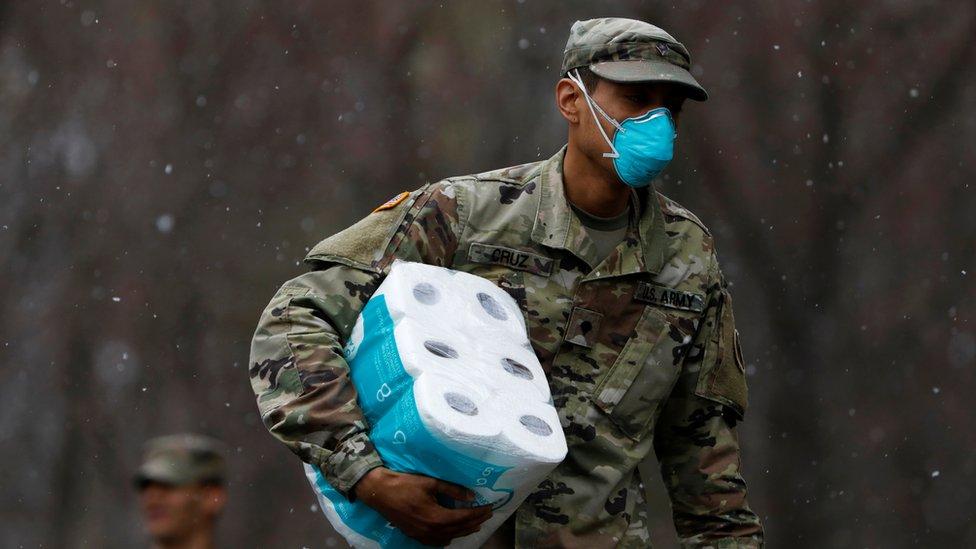 قوات الحرس الوطني الأمريكي يسهمون في جهود مكافحة كورونا