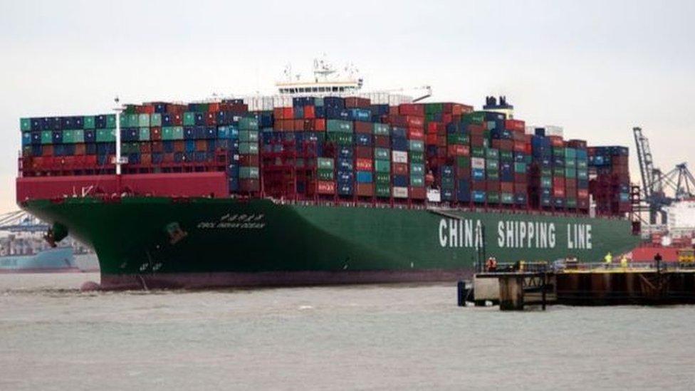 تقول المنظمة إن التأثير على التجارة من المرجح أن يتجاوز الركود الناجم عن الأزمة المالية العالمية عام 2008