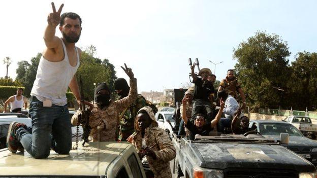 مقاتلون في ليبيا
