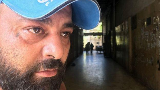 مثل العديد من اللبنانيين ، يعاني خلدون رفاعة بسبب الأزمات المتعددة في البلاد