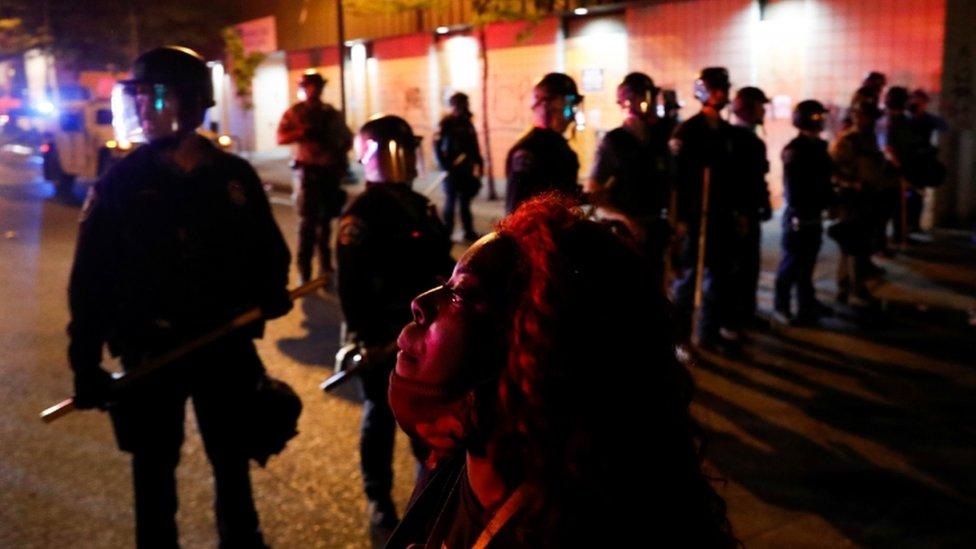 محتجون وشرطة في مينيابوليس