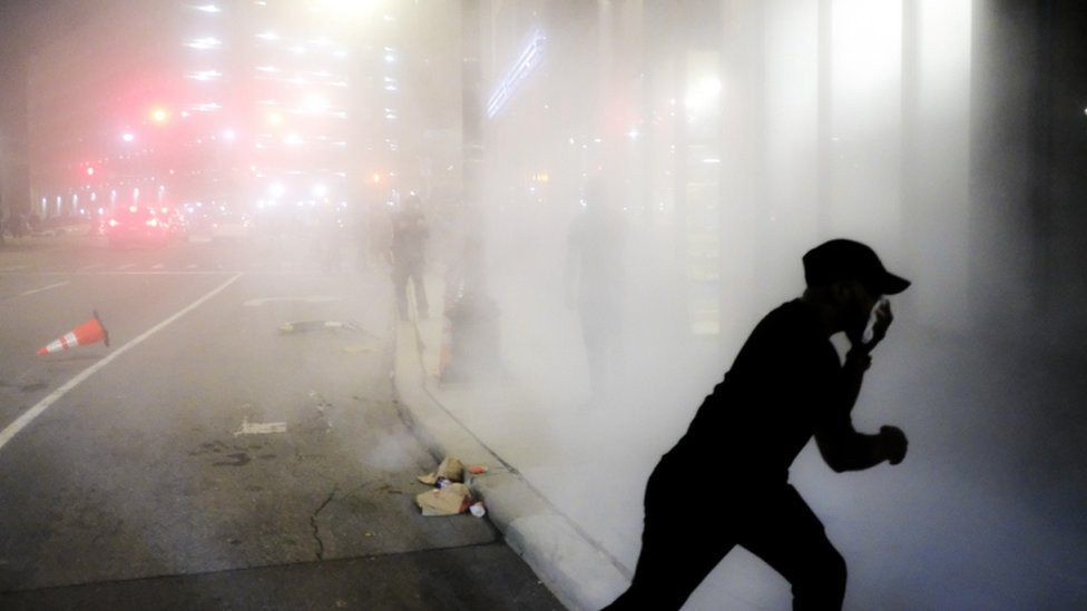 أطلقت القنابل المسيلة للدموع في ديترويت