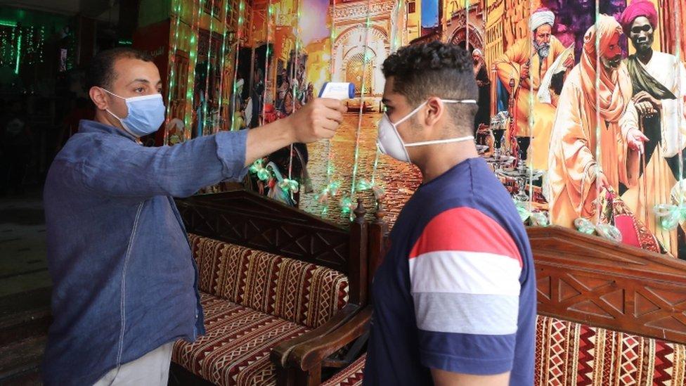 الإصابات بفيروس كورونا ارتفعت بشكل كبير خلال الأسابيع الأخيرة.