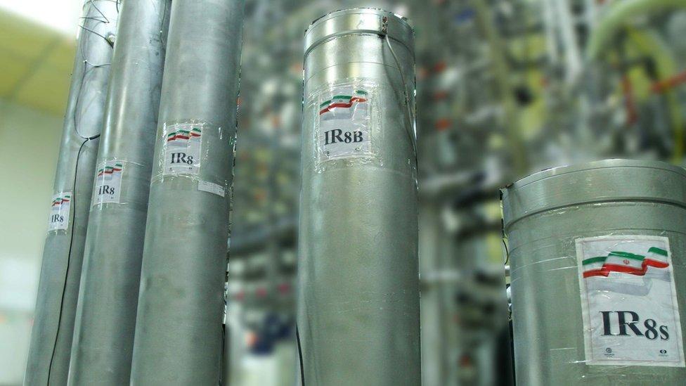 في نوفمبر/تشرين الثاني الماضي قالت طهران إنها ضاعفت عدد معدات الطرد المركزي المتطورة في نطنز
