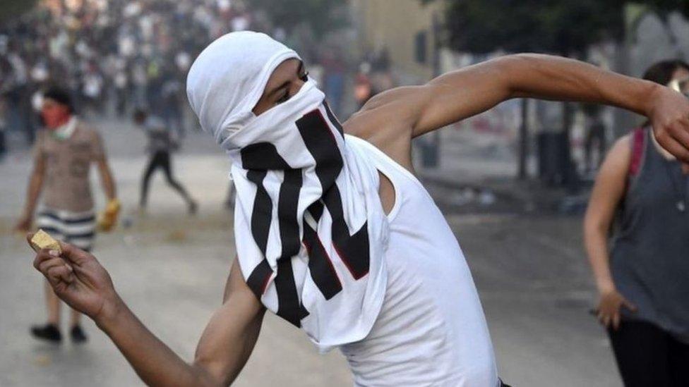كانت مواجهات قد اندلعت في بيروت بين محتجين وعناصر مكافحة الشغب