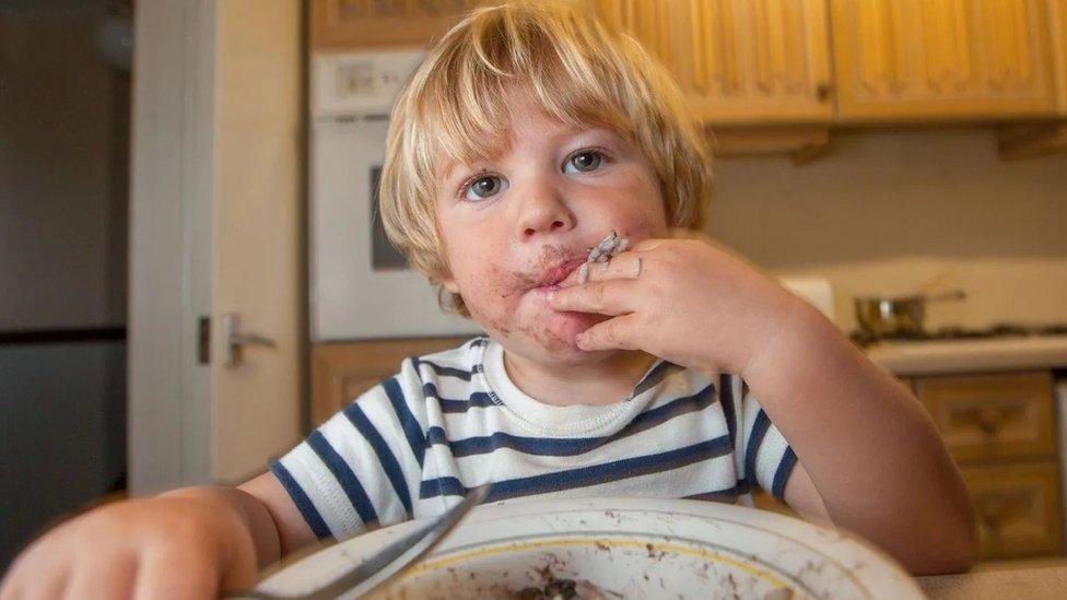 لماذا ترتفع معدلات الإصابة بحساسية الطعام حول العالم؟
