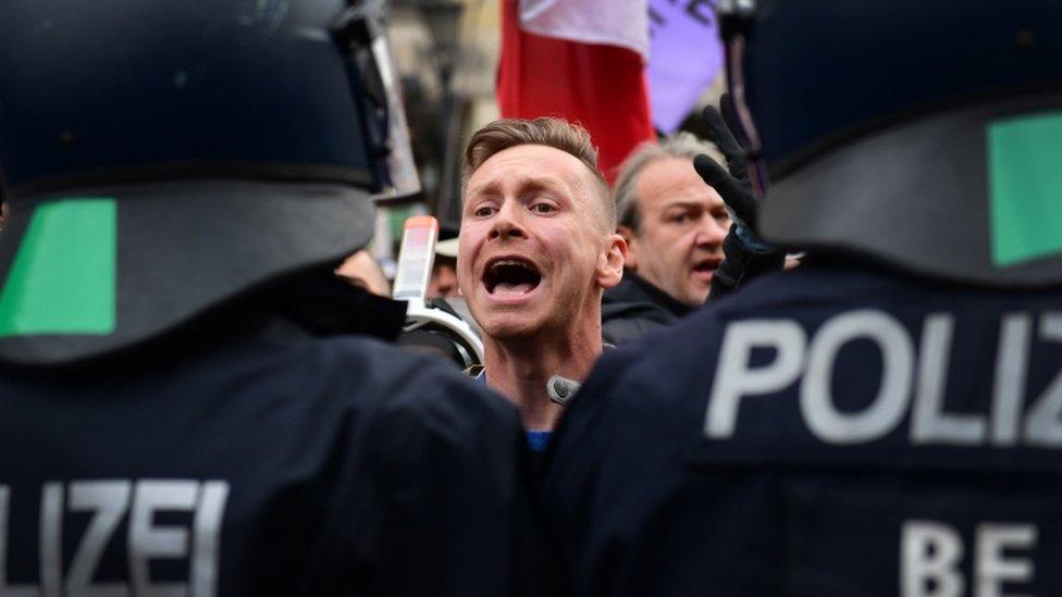 احتجاجات برلين أججها متطرفون.