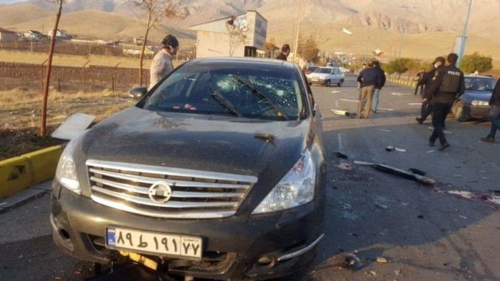 يقول مسؤولون إن فخري زاده أصيب خلال الهجوم وتوفي لاحقاً في المستشفى