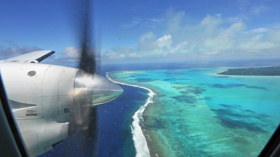 صورة لساحل إحدى جزر كوك في المحيط الهادي