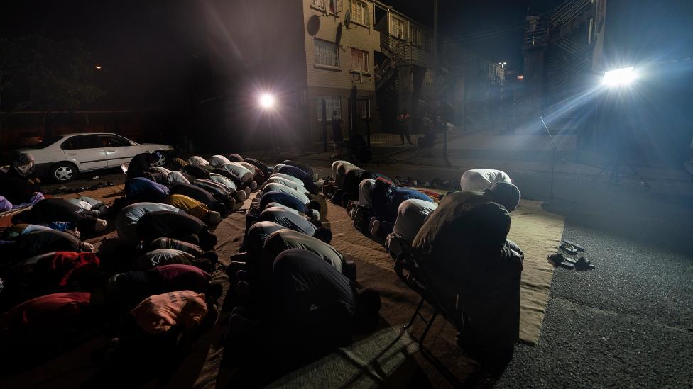 المصلون أثناء الذكر في ماننبرغ ، كيب تاون - جنوب أفريقيا