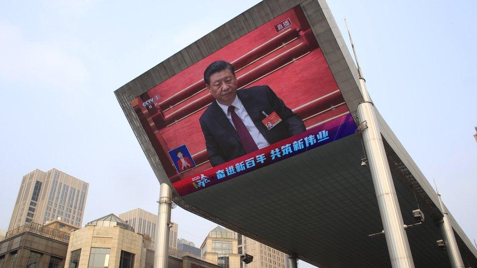 شدد الرئيس الصيني تشي جينبينغ سيطرته على المجتمع منذ أن تولى منصبه قبل 10 سنوات