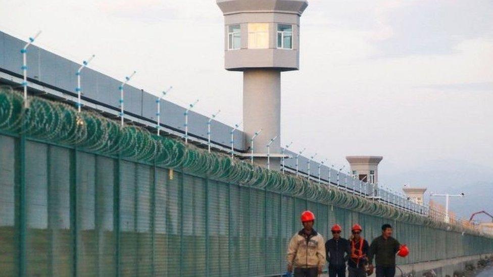 يُعتقد أن ما يصل إلى مليون مسلم قد تم احتجازهم في معسكرات في شينجيانغ