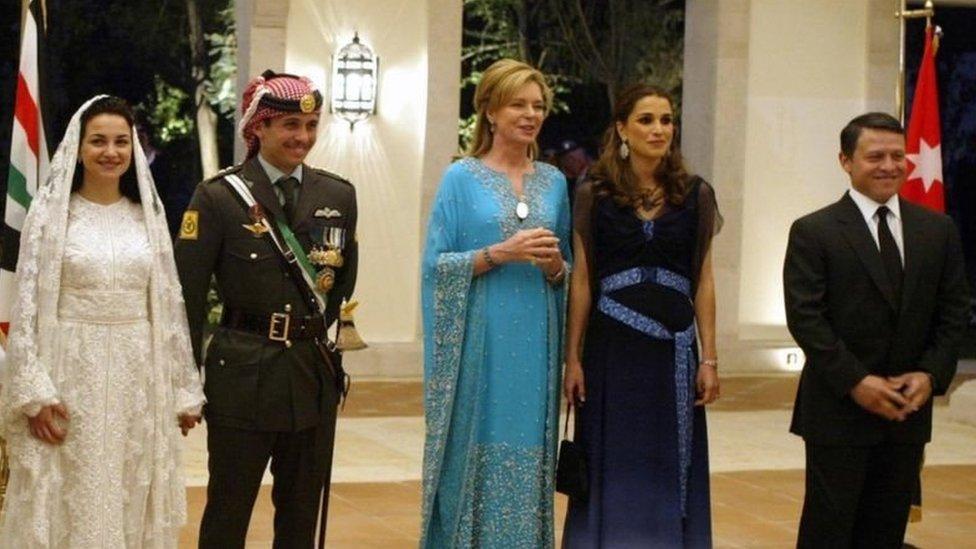 صورة للأسرة الحاكمة في الأردن