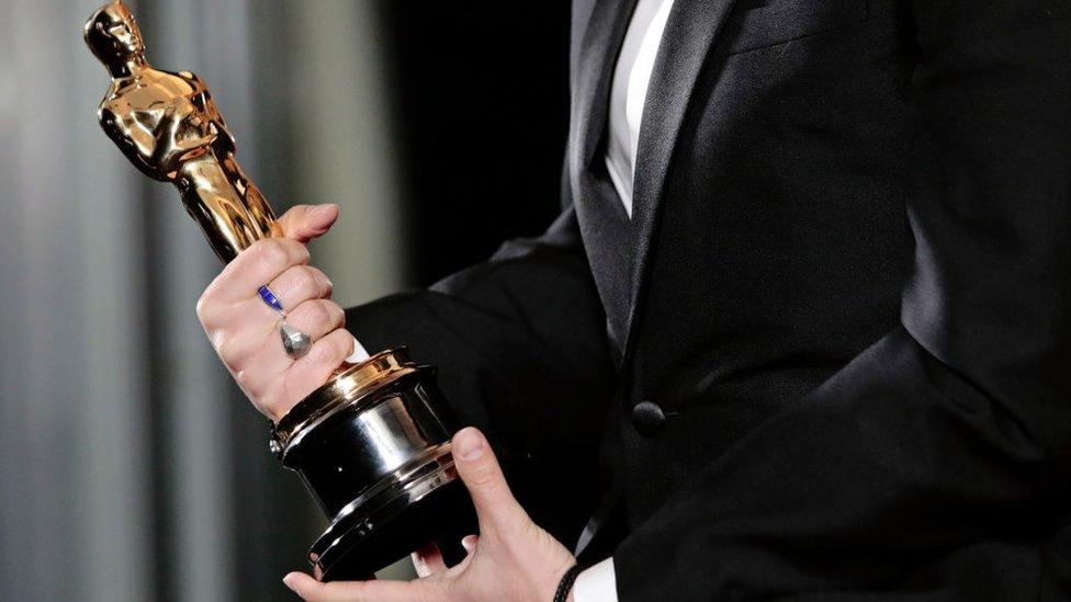 """فلوريان زيلر بعد فوزه بجائزة أفضل سيناريو مقتبس عن فيلمه """"الأب"""""""