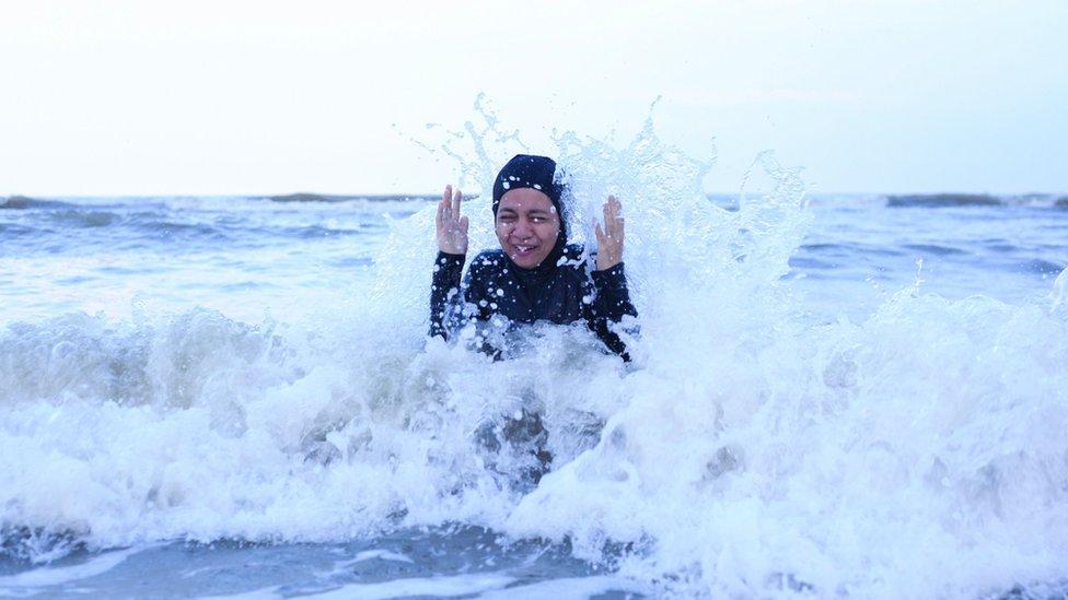 العوم في الماء البارد يزيد النشاط