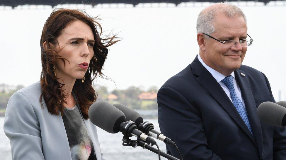 اتخذت رئيسة وزراء نيوزيلندا جاسيندا أرديرن موقفا مختلفا عن نظيرها الاسترالي سكوت موريسون إزاء الصين