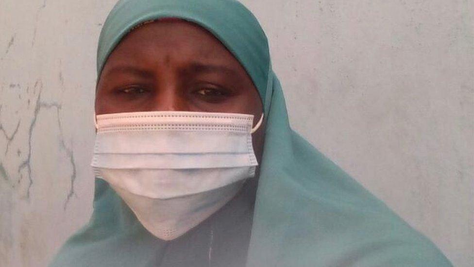 دون حول ولا قوة، شاهدت خديجةهاشم اختطاف طفلها الصغير