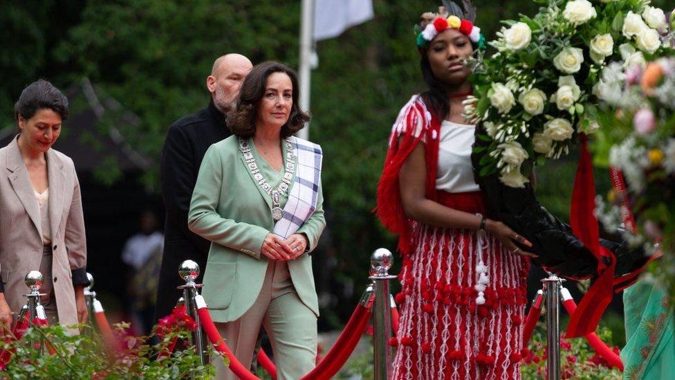 اعتذرت عمدة أمستردام فيمكي هالسيما رسميا في وقت سابق من هذا العام عن دور المدينة في العبودية
