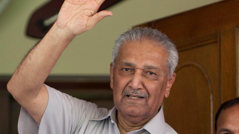 وُضع عبد القدير خان قيد الإقامة الجبرية حتى عام 2009